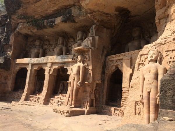 Gwalior-Fort-Jain-Statue