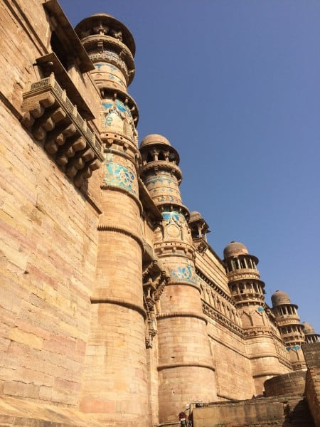 Gwalior-Fort-Walking-up-to-East-Gate-Entrance-1