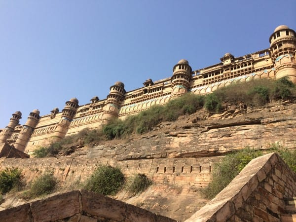 Gwalior-Fort-Walking-up-to-East-Gate-Entrance-2