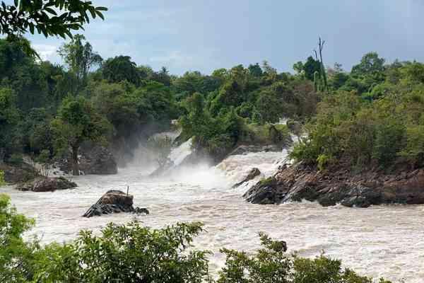 phapheng falls don khone
