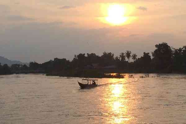 sunset on the mekong 4000 islands