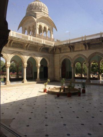 Explore Jaipur Albert Hall Museum (1)