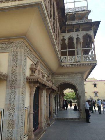 Explore Jaipur City Palace Museum (2)