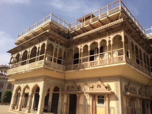 Explore Jaipur City Palace Museum (3)