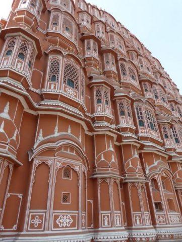 Explore Jaipur Hawa Mahal (1)