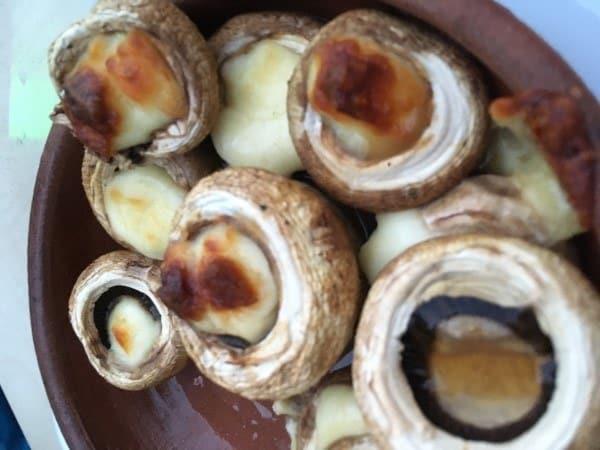 Mushrooms with Sulguni in Ketsi