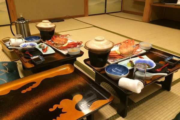 stay in a ryokan etiquette guide dinner