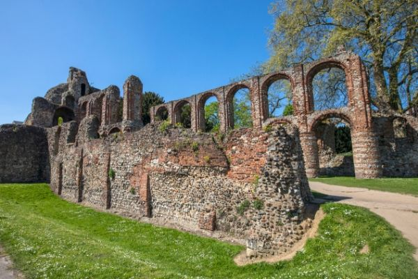 things to do in colchester visit st botolphs