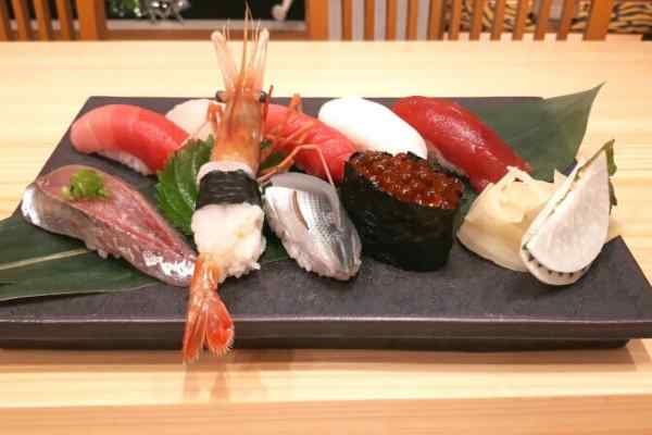 learn to make sushi in japan professional restaurant